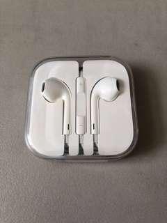 🚚 Apple earpods (last unit)