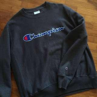 Authentic champion sweater/pullover