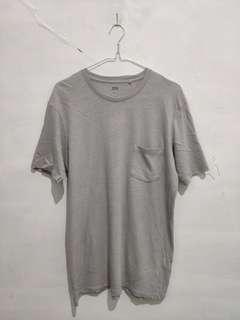Uniqlo pocket Tshirt Original