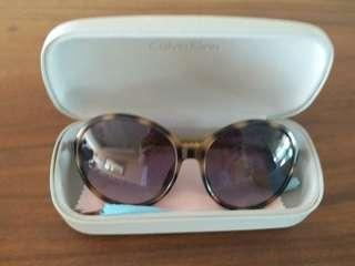 calvin klein sunglasses with free benetton scarf