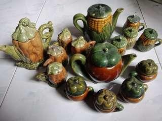 🚚 Vintage Tea Set