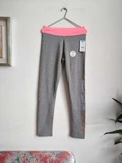 灰色窄身運動褲 Grey legging