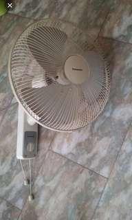 "Panasonic 16"" Wall fan"