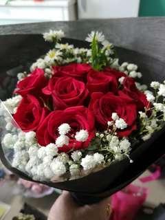 9 stalk roses bouquet