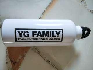 YG family Water Bottle
