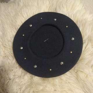 Navy blue stud beret