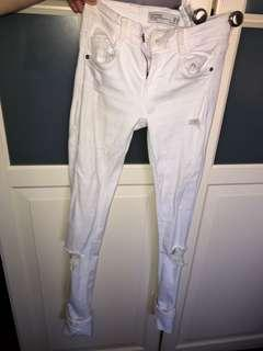 Zara white jeans brand new