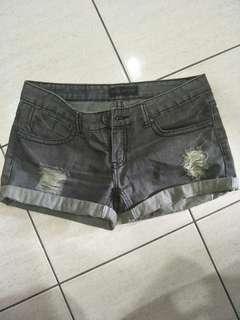 Grey denim short pants (low waist)