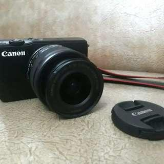 Kamera Mirrorless Camera: Canon EOS M10 (2nd) - Black with EF-M15-45mm