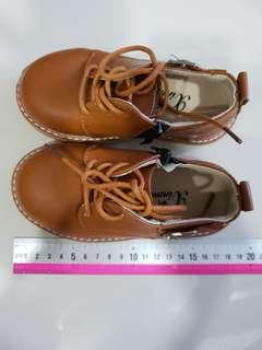 Kids brown leather shoes
