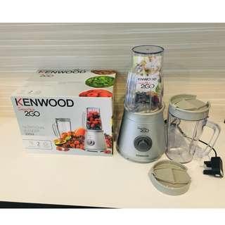(PRELOVED) Kenwood Smoothie Blender 2GO SB055