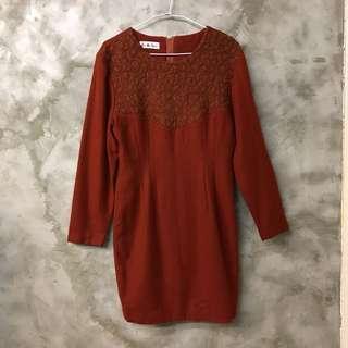 🚚 磚紅色毛料復古洋裝 短裙 連身裙 長袖 全長內裡 肩寬45 胸寬48 腰寬38 臀寬50 全長88