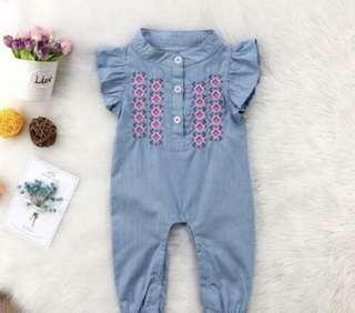 Baby Romper with embroidary