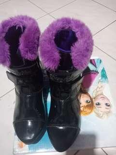 Sepatu boot disney frozen