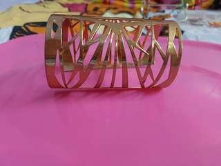 Gold metal bangle cuff #shero