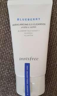 🚚 Innisfree Blueberry Rebalancing 5.5 Cleanser