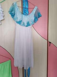 🚚 Beautiful blue white dress