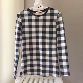 🚚 Checkered Long Sleeve Top