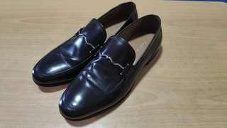 Pedro Men Loafers With Metal Buckle