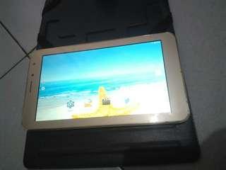 Tablet advan i7 sudah 4 G