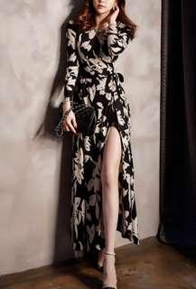 Elegant flowy long dress with side slit