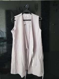 🚚 Grey vest top