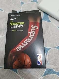 🚚 Supreme sleeves(toyz同款)