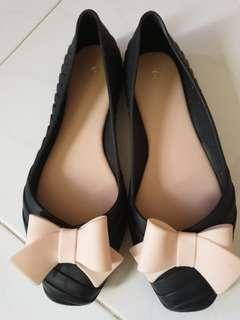 Black Flats with pink ribbon from Korea