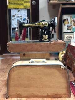 80年代蝴蝶牌古董電動車衣機