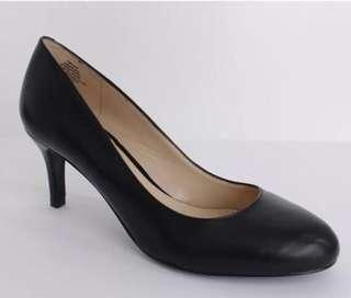 Nine west mid round toes heel