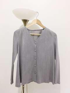 Duma moma pleated top in grey