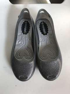 Monobo jelly shoes (size 6)