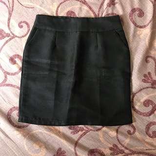 Black Skirt / Rok span kantoran hitam