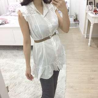White cotton babydoll embroidered shirt / Top