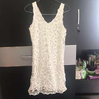 White laces dress