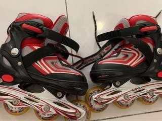 Kids roller blade shoes size 30-33