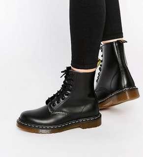 🚚 dr martens boots 1460