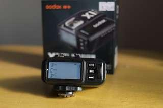 Godox x1 wireless flash trigger for fujifilm.