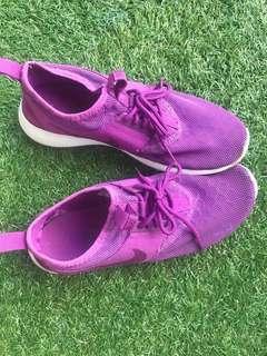 Nike running/ walk shoe