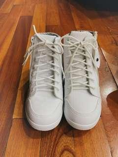 🚚 全新白鞋