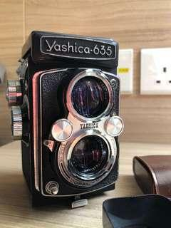 Yashica 635 Twin Lens Reflex Camera TLR with Yashinon lens