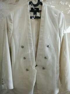 H&M BROKEN WHITE BLAZER