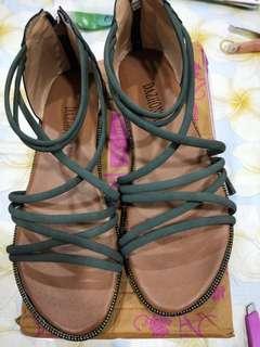 🚚 夏季韓版涼鞋(37碼)綠色