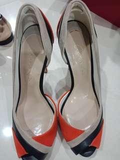 Sepatu charles keith