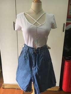 white crop top and hiwaist shorts