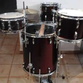 Cocktail drums