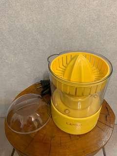 🚚 [Ericaca 愛挖寶] Lapolo 電動壓汁機~特價150元💕
