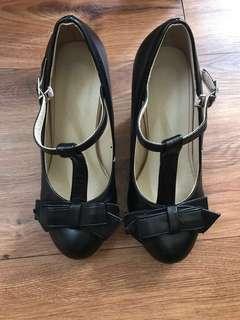 T bar Bow heels 👠