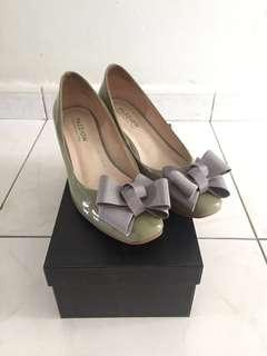 Pazzion Grey Patent Heels