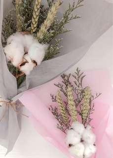 🚚 Mini dried flower bouquet